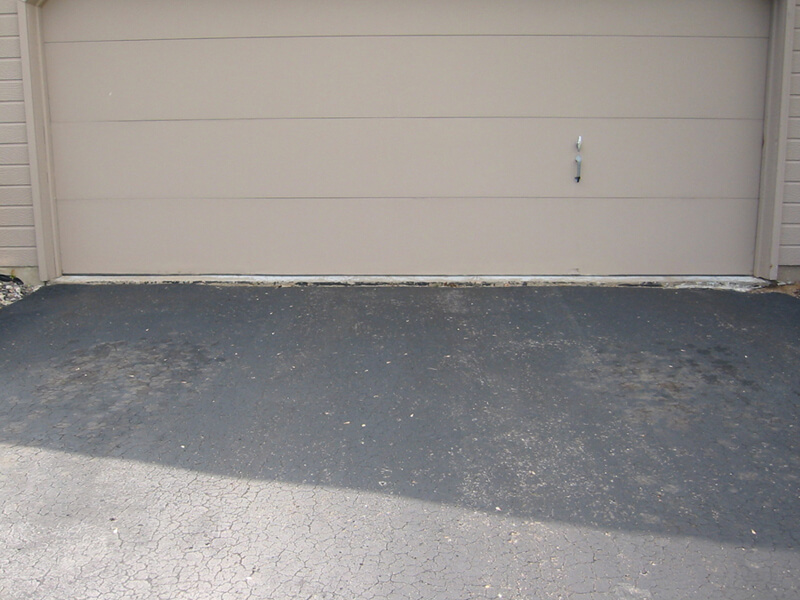 Garage without apron